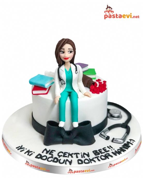 Kadın Doktor Pastası