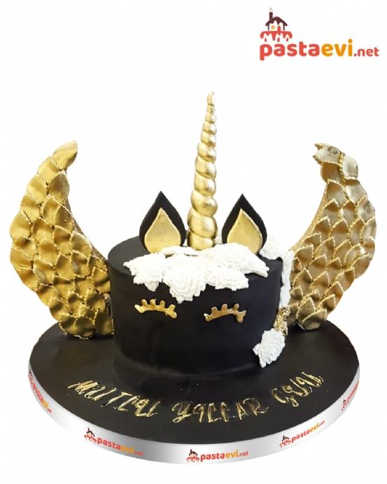 Siyah Kaplamalı Unicorn Pastası