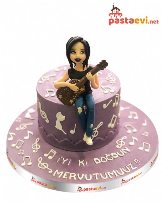 Gitarlı Kız Doğum Günü Pastası