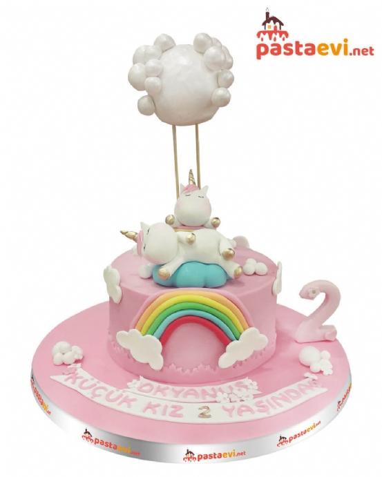 Bulutlu Unicorn Butik Pastası