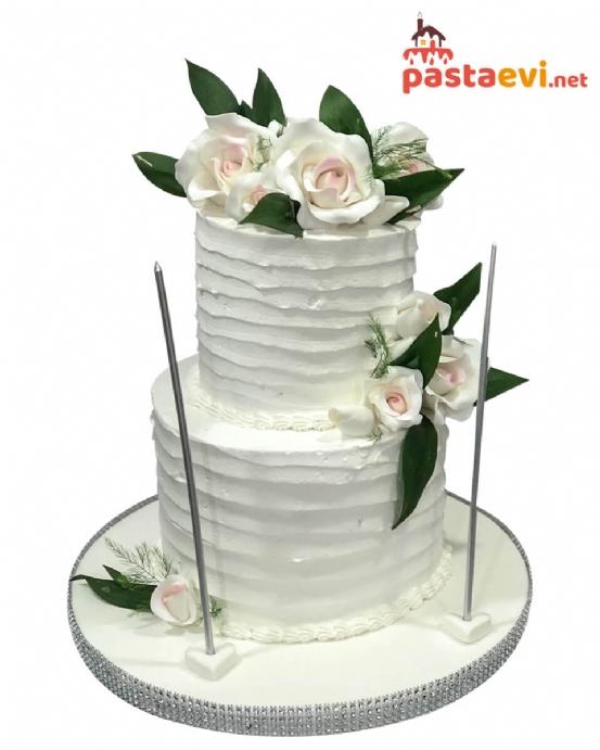 Beyazın Ahengi Nişan Pastası
