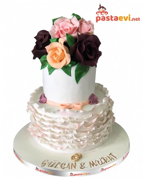 Renkli Güllü Nişan Pastası