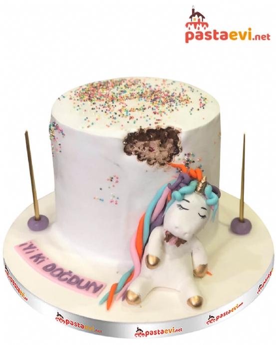 Haylaz Unicorn Pasta Canavarı Pastası
