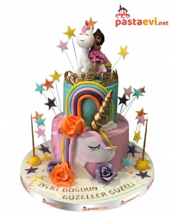 Esmer Kız ve Unicorn Rüya Butik Pastası