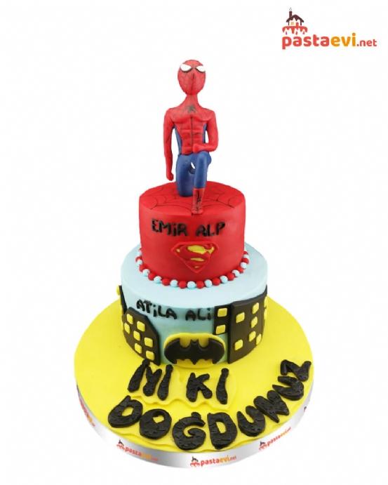 Örümcek adam ve Batman Pastası