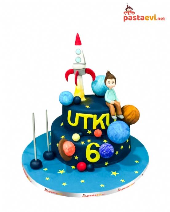 Uzay Gemisi Doğum Günü Pastası