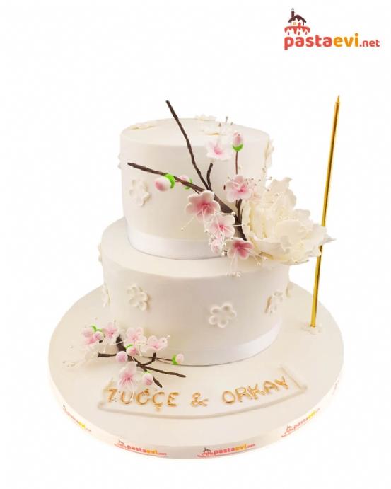 Çiçek Desenli Düğün Pastası